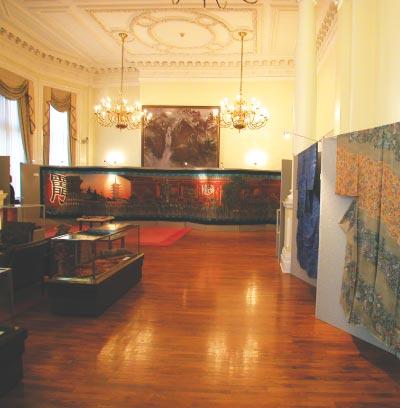 ロンドンの大使館で行われた「江戸更紗・小紋展」