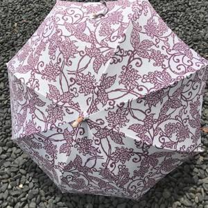 注染手ぬぐい生地使用 日傘(唐草・赤紫)